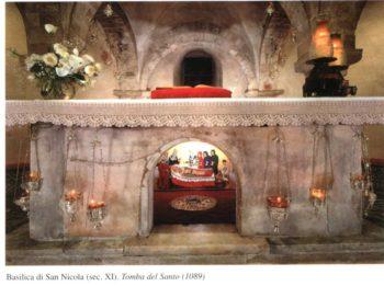 Святой престол над мощами святителя Николая. Бари, Италия
